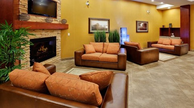 Holiday Inn Express & Suites Bowmanville Lobby