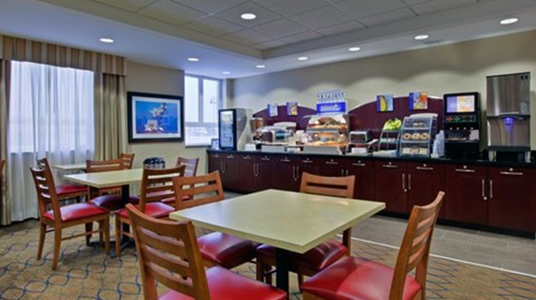 Holiday Inn Express & Stes Restaurant