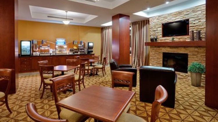 Holiday Inn Express & Suites Bowmanville Restaurant