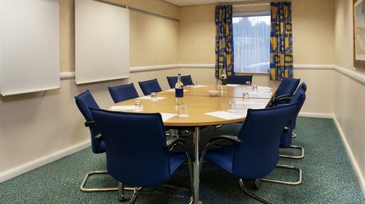 Holiday Inn Express Swansea-West Meeting