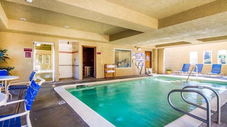 Comfort Inn Lathrop-stockton airport Pool