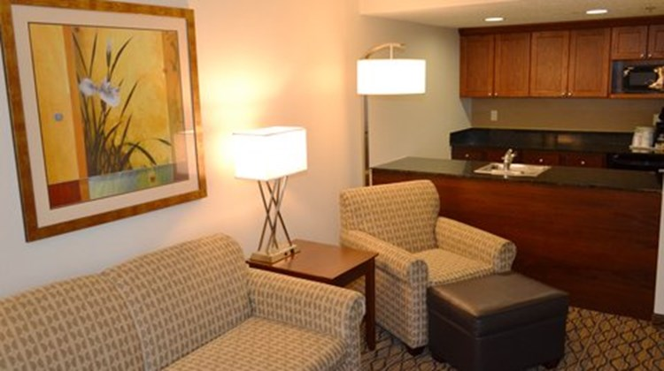 Holiday Inn Express Tampa-Brandon Suite