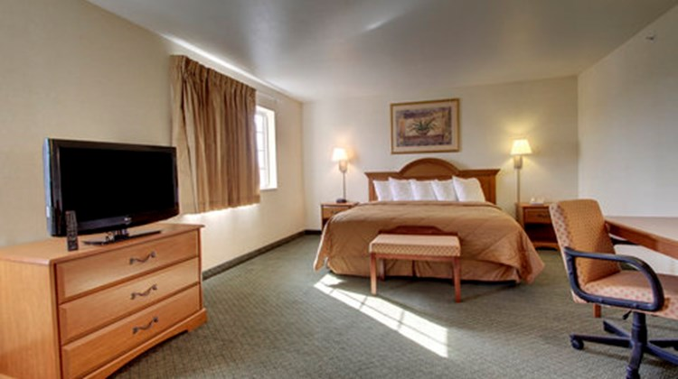 Oak Hill Inn & Suites Suite