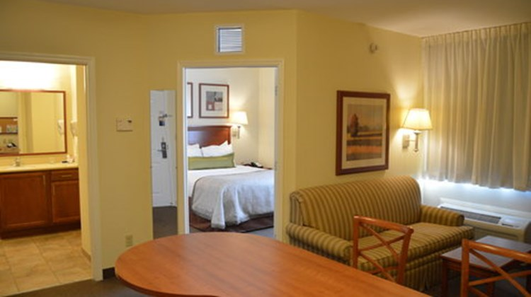 Candlewood Suites Ft Myers Northwest Suite