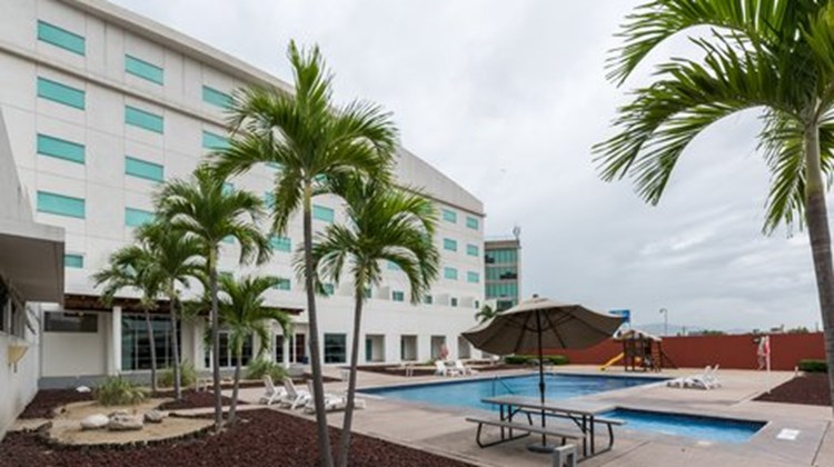 Holiday Inn Express Manzanillo Pool