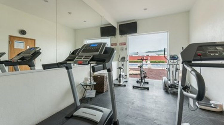 Holiday Inn Express Manzanillo Health Club