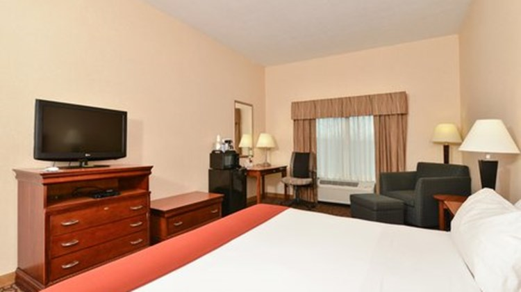 Holiday Inn Express Campbellsville Room
