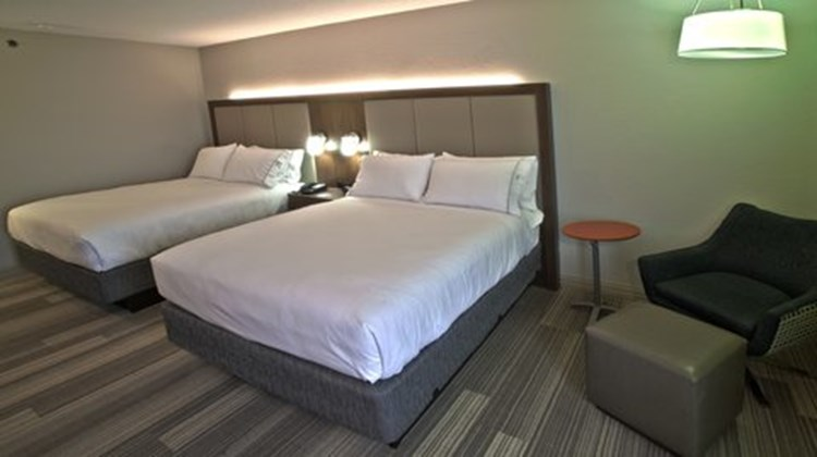 Holiday Inn Express/Suites Evansville N Room