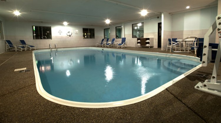 Holiday Inn Express/Suites Evansville N Pool