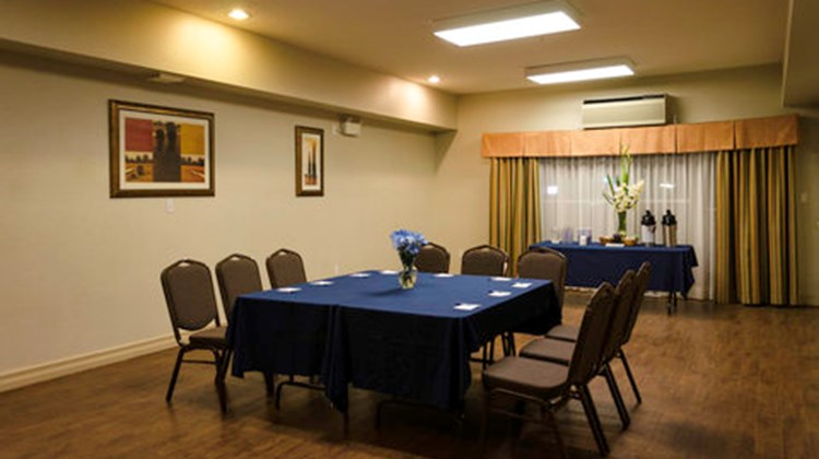 Holiday Inn Express & Suites Lethbridge Meeting