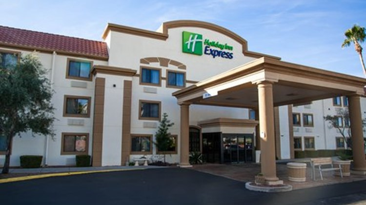 Holiday Inn Express Tucson Airport Exterior