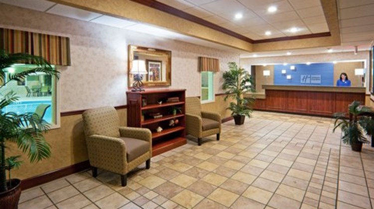 Holiday Inn Express Hotel & Suites-Troy Lobby