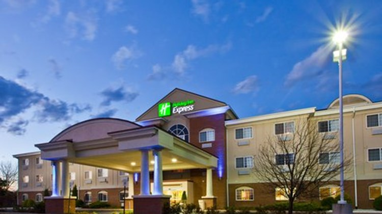 Holiday Inn Express Charlotte Exterior