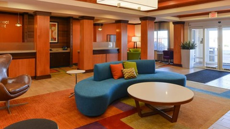 Fairfield Inn & Suites Bloomington Lobby
