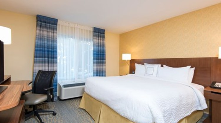Fairfield Inn & Sts Tampa Westshore/Apt Room