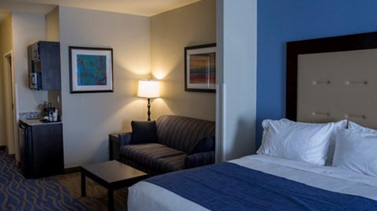 Holiday Inn Express & Stes Edwardsville Room