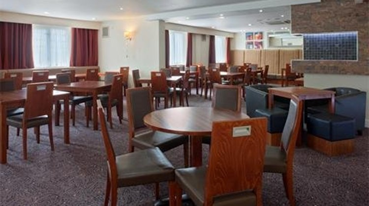 Holiday Inn Express Gatwick Restaurant