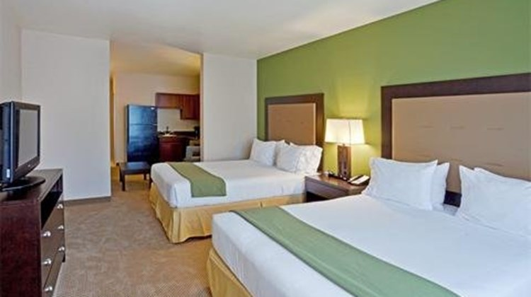 Holiday Inn Express & Suites Sequim Suite