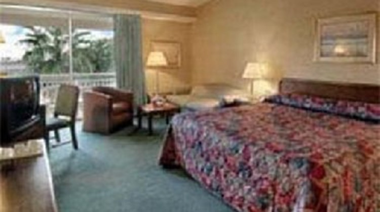 Howard Johnson Inn Room
