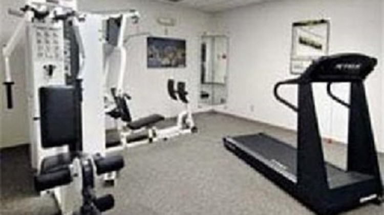 Howard Johnson Inn Health Club