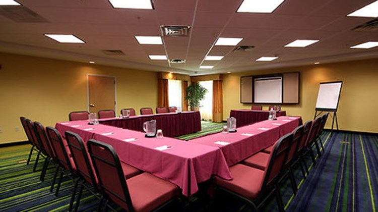 Fairfield Inn & Suites Meeting