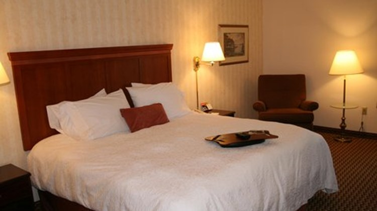 Hampton Inn & Suites Springdale Room