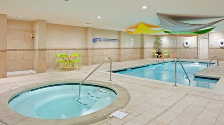 Holiday Inn Express and Suites Hays Pool