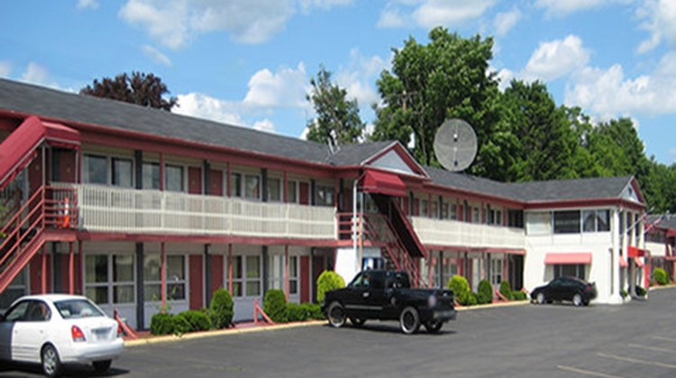 Red Carpet Inn - Endicott Exterior