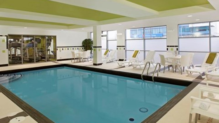 Fairfield Inn/Suites Toronto Mississauga Pool