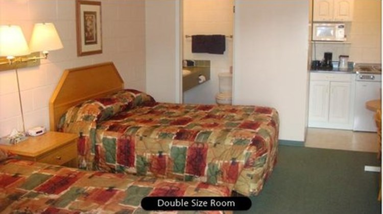 Athabasca Lodge Motel Room