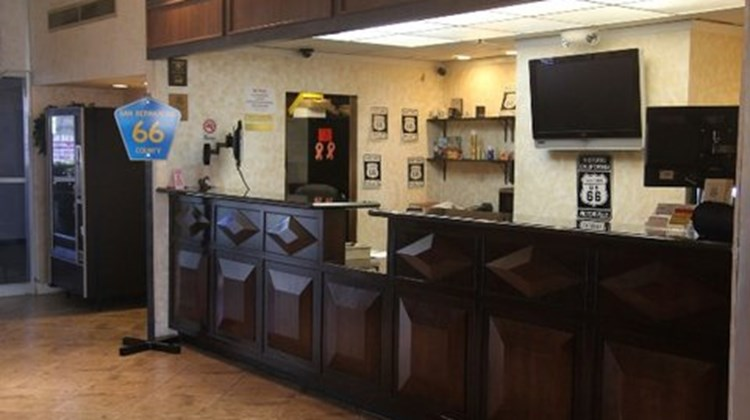 Green Tree Inn & Extended Stay Suites Lobby