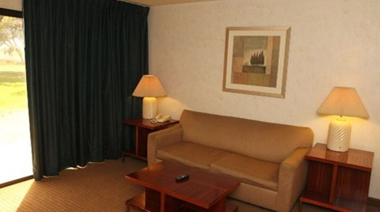 Green Tree Inn & Extended Stay Suites Suite
