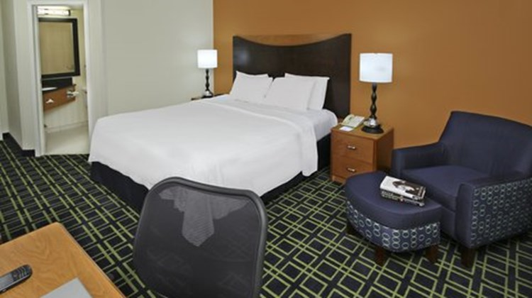 Fairfield Inn Portland Maine Mall Room