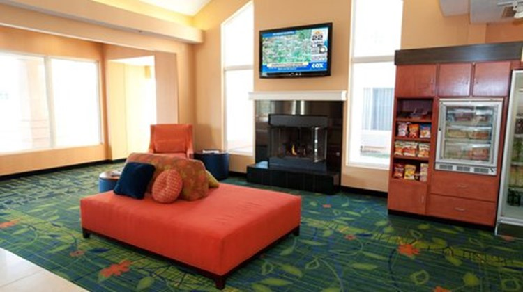 Fairfield Inn & Suites Wichita East Lobby