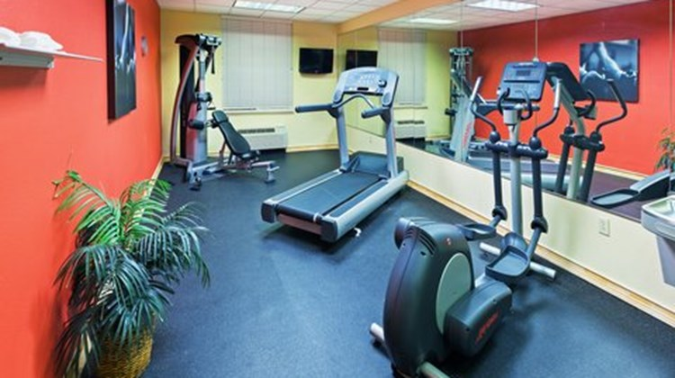 Country Inn & Suites, Austin-University Health Club