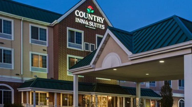 Country Inn & Suites Merrillville, IN Exterior