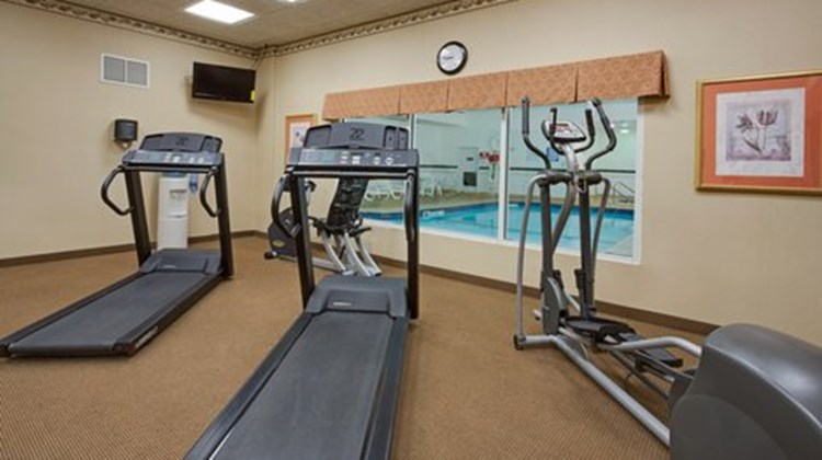 Country Inn & Suites Merrillville, IN Health Club