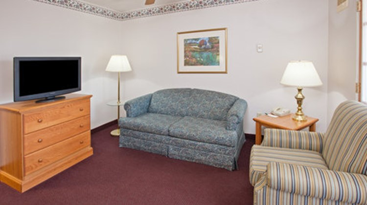 Country Inn & Suites Springfield Suite