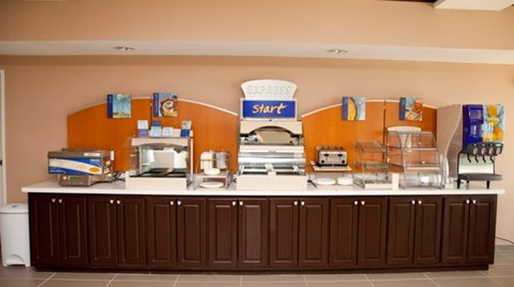 Holiday Inn Express & Suites-Port Lavaca Restaurant
