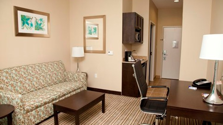 Holiday Inn Express & Suites-Port Lavaca Suite
