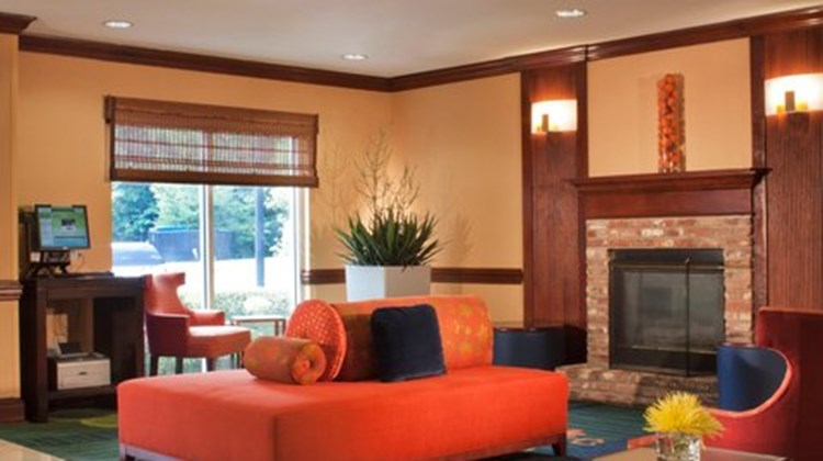 Fairfield Inn & Suites Atlanta Kennesaw Lobby