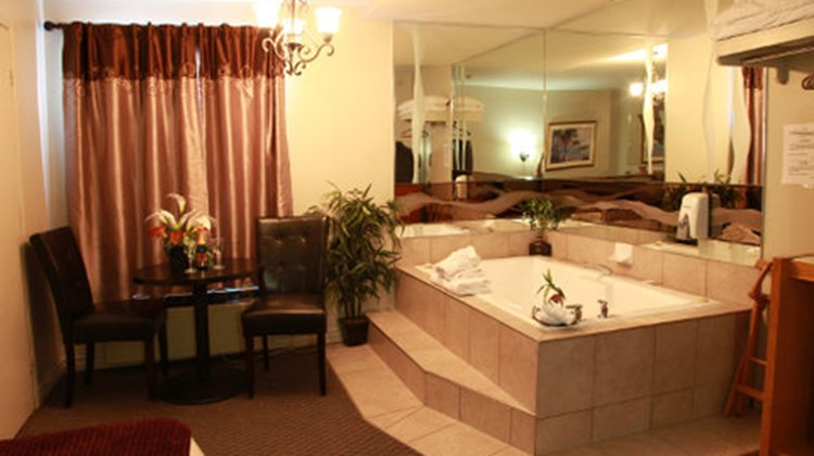 Hotel Motel Le Chateauguay Suite