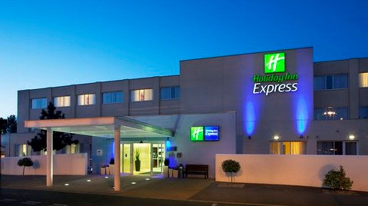 Holiday Inn Express Norwich Exterior