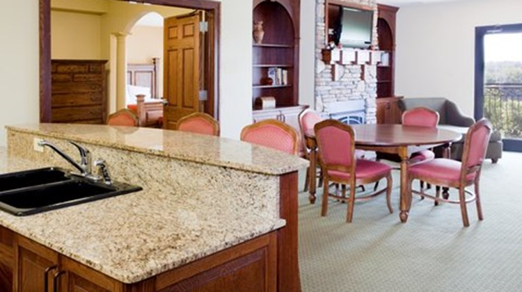Holiday Inn Express Lexington NW Suite