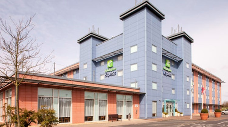 Holiday Inn Express Oxford Exterior