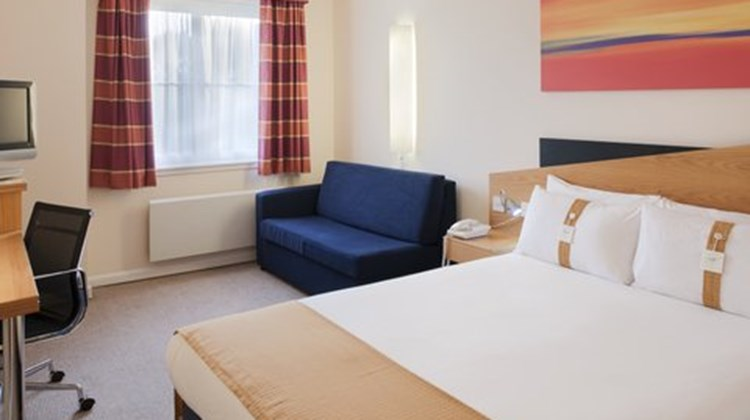 Holiday Inn Express Strathclyde Park Room