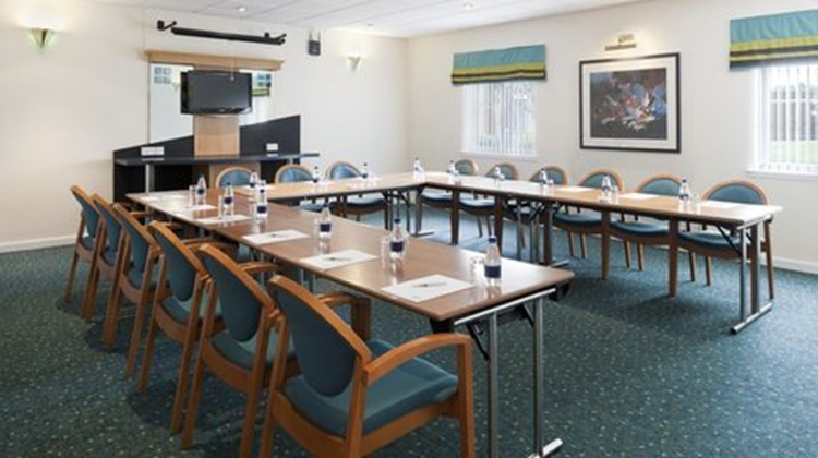 Holiday Inn Express Strathclyde Park Meeting