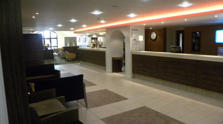 Holiday Inn Express Colchester Lobby