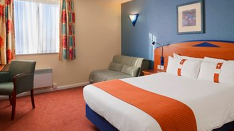 Holiday Inn Express LPL-Knowsley M57 Room