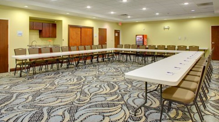 Holiday Inn Express & Sts Cross Lanes Meeting